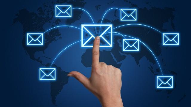 mengirim dan menerima email