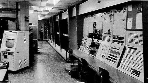 komputer TX-2 di MIT Lincoln Lab