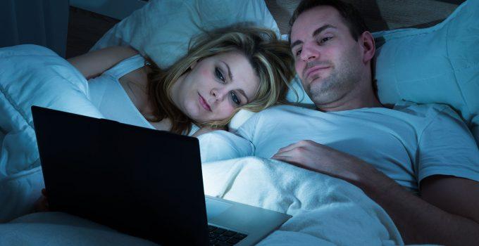 Cara Download Film Lewat Laptop Komputer dan HP Android