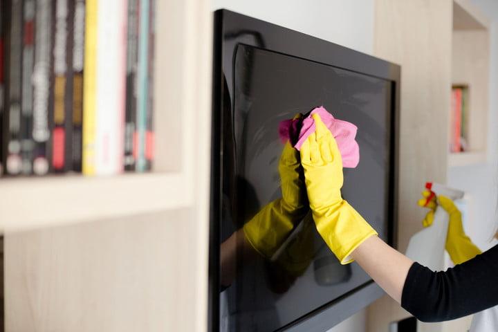 Cara Membersihkan Layar TV LED yang Kotor