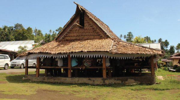 rumah adat Maluku - Rumah Adat Sasadu