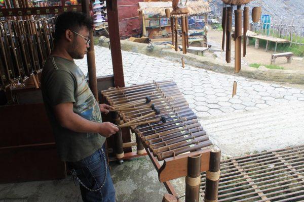 Alat Musik Tradisional Calung