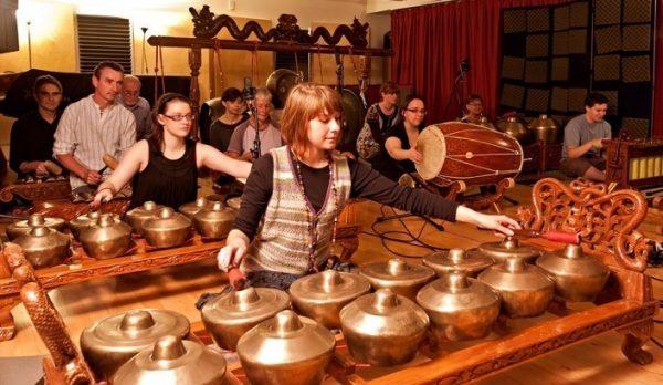 Alat Musik Tradisional Gamelan