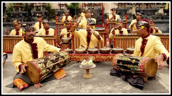 Alat Musik Gamelan Bali