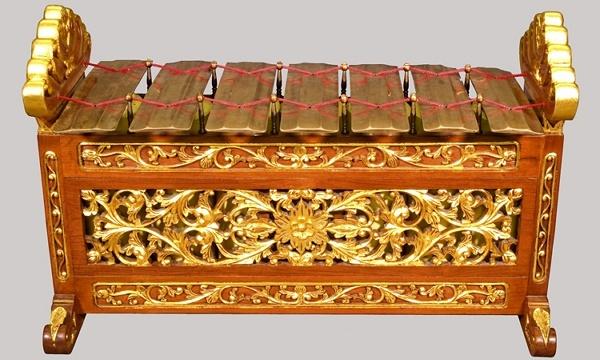Javanese musical instruments Slenthem