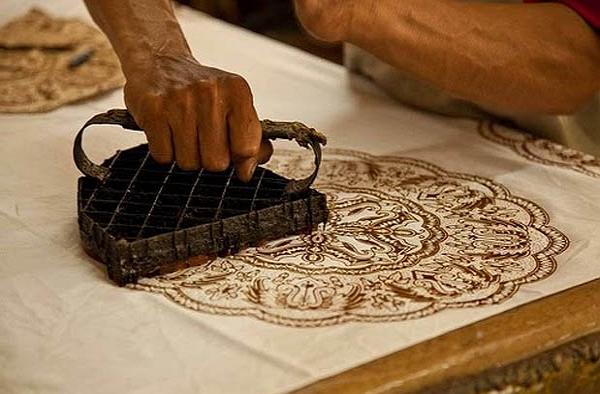 Sejarah Batik dan Teknik Membatik