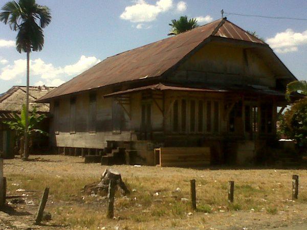 Rumah Adat Kalimantan Selatan Gajah Manyusu