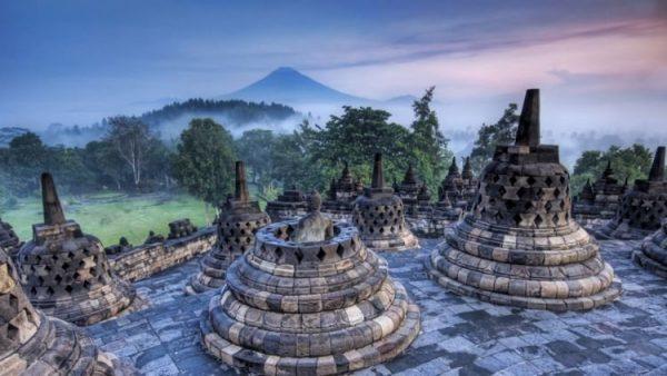 Sejarah Candi Borobudur Beserta Letak dan Bentuk Candi Borobudur
