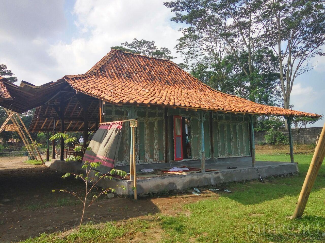 Rumah Adat Yogyakarta Kampung