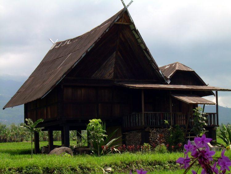Rumah Adat Palembang Tatahan