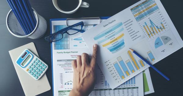 contoh jurnal penyesuaian perusahaan dan pembahasannya