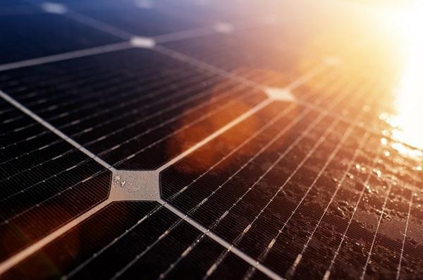 contoh energi alternatif matahari