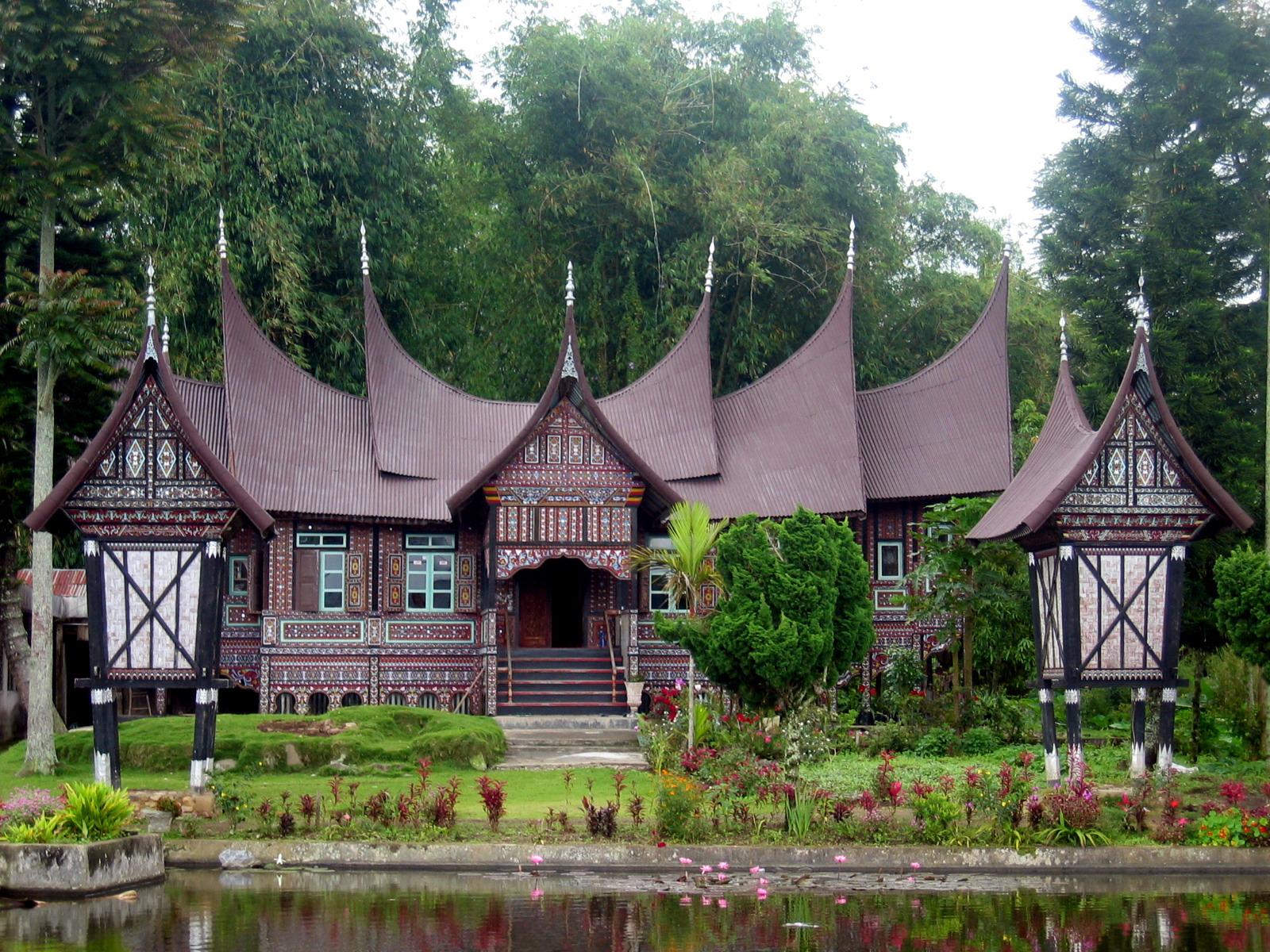 Rumah Adat Gadang dan kegunaannya