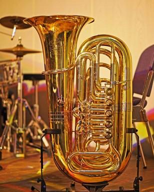 Alat Musik Tiup Tuba